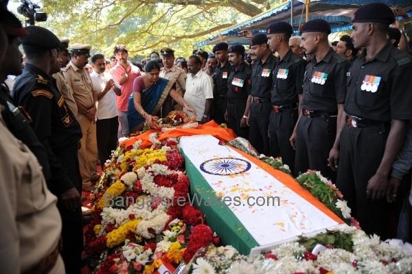 ಎನ್ಎಸ್ಜಿ ಕಮಾಂಡೋ ಲೆ| ಕ| ನಿರಂಜನ ಕುಮಾರ್ ಗೆ ಅಂತಿಮ ನಮನ