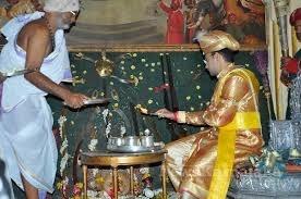 ಯದುವೀರ ಕೃಷ್ಣದತ್ತ ಚಾಮರಾಜ ಒಡೆಯರ್ ಅವರಿಂದ ಆಯುಧ ಪೂಜೆ